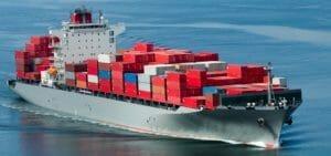 Морские контейнерные перевозки. Страховать или рисковать.